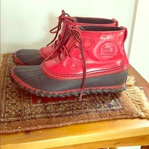 SOREL red ankle rain boots size 5.5